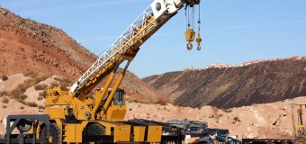 The Several Benefits of Crane Hire For Commercial Usage