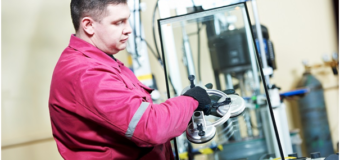 Glazier: Know About His Profession and Much More